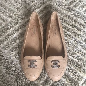 CHANEL quilted turnlock nude blush flats loafers